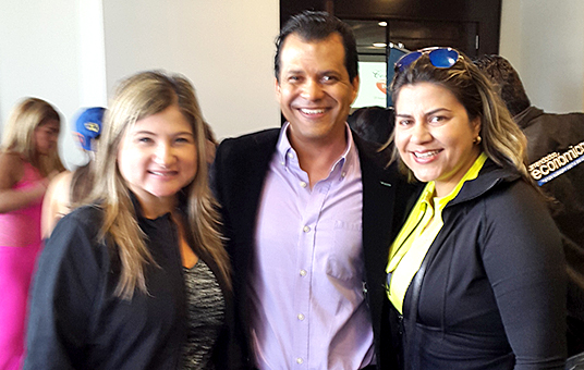 Adriana Rincón junto al Dr. Fit, Octavio Sousa