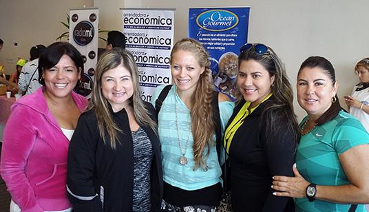 Adriana Rincón, con Rebecca Eisenmann, de Verde y Rebelde y amigas